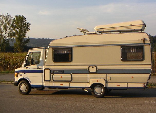 caravan home deutschland wohnwagen wohnmobile caravanmarkt. Black Bedroom Furniture Sets. Home Design Ideas